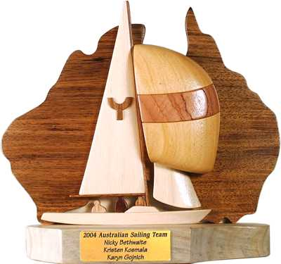 yngling_side_oz_sailing_trophy